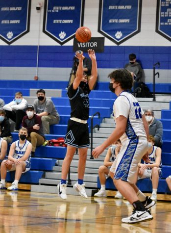 Boys Basketball Suffers a Loss to Darlington