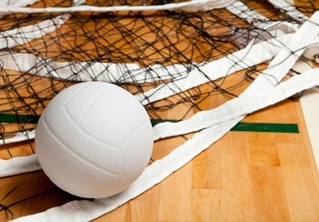 Volleyball Girls Crush the Riverdale Chieftains